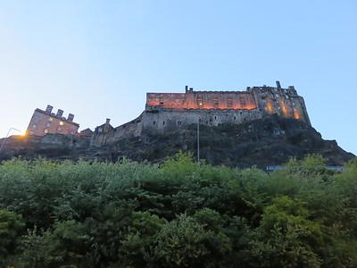 0024 - Edinburgh - Castle Hill from Grassmarket