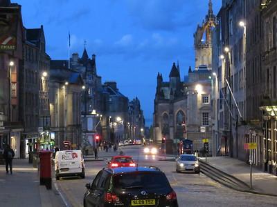 0029 - Edinburgh - Looking East on Royal Mile