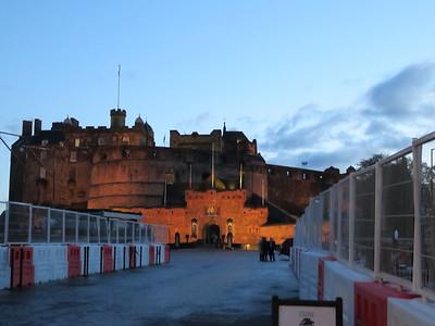0028 - Edinburgh - Castle Entrance at Dusk
