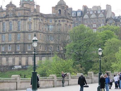 0030 - Edinburgh - Bagpiper on Waverly Bridge