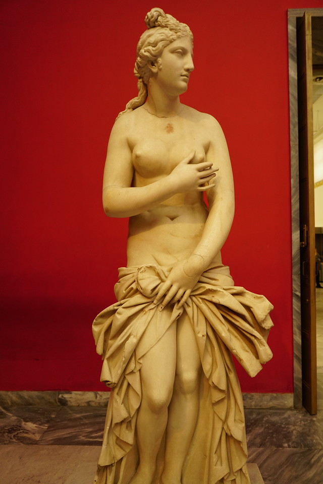 063 - National Archaeological Museum - Statue of Aphrodite