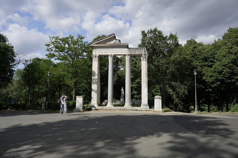 Day 03 - 001 - Rome - Borghese Gardens