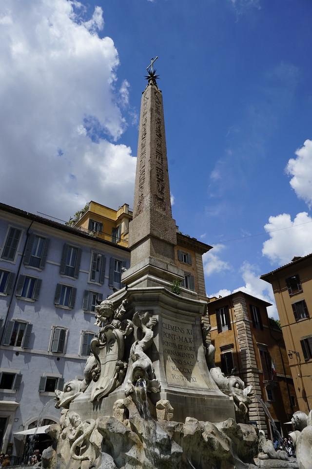 Day 04 - 002 - Rome - Piazza della Rotonda
