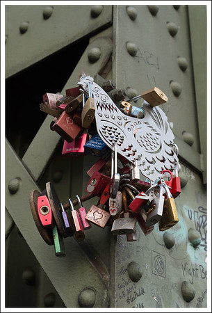 There was a store in town that specialized in selling locks for this bridge.  I wonder if they sold this chicken there too.