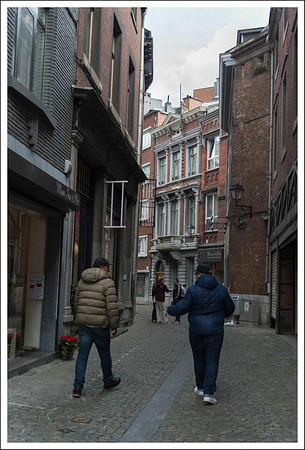 Another alley.  These 2 men were speaking a language that wasn't German, French, Portuguese or Spanish.  Maybe it was Flemish? Belgium is divided into Flemish and French speaking areas.