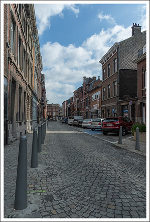 It seemed most of the side streets were of this cobblestone variety.  We saw several of them being repaired.