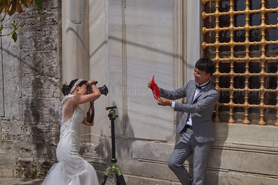 Because why not be your own wedding photographer?