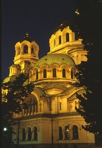 Alexander Nevski Cathedral illuminated (2)