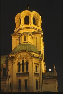 Alexander Nevski Cathedral illuminated (3)