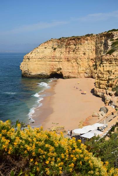 Our beach - Vale Centeanes