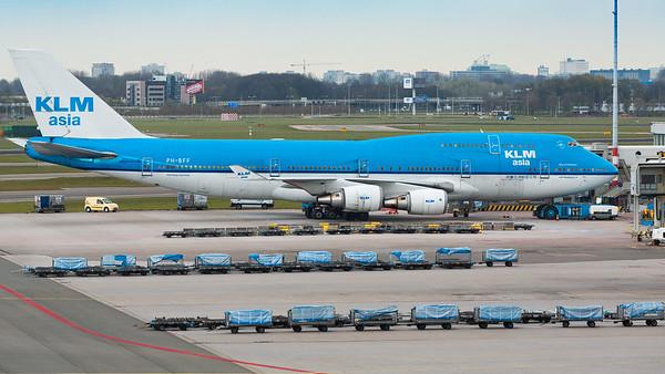 KLM Asia 747-400 Schipol Airport