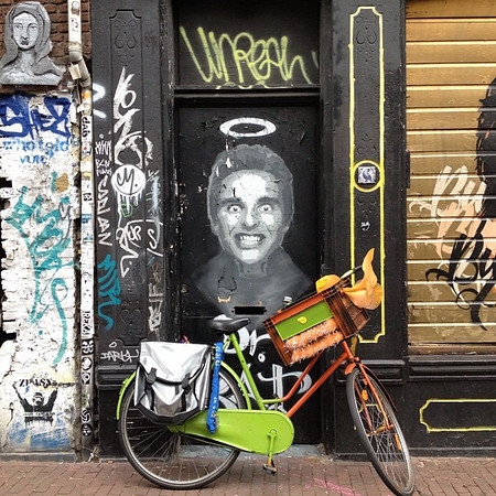 Amsterdam Deluxe, a face only a mother could love #nofilter #streetart