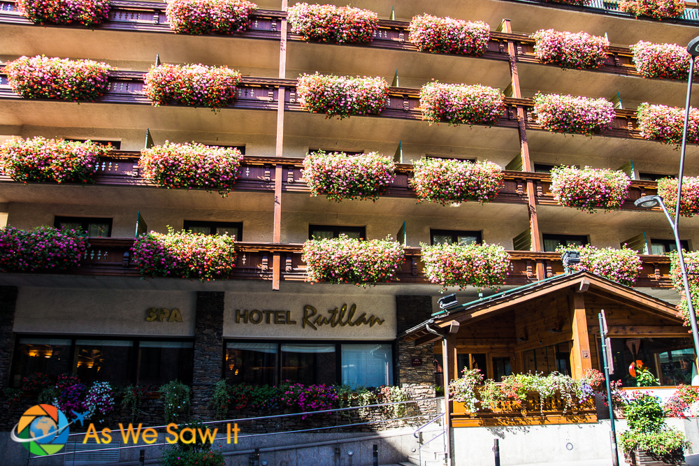 Front of Rutllan Hotel