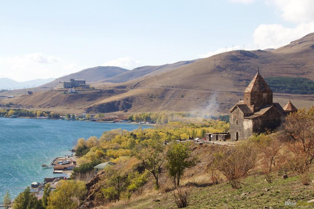 armenia travel blog lake