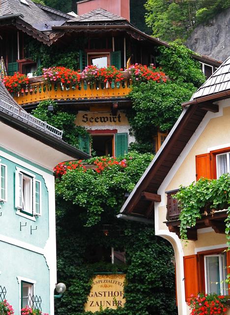 Gasthaus off town square, Hallstatt