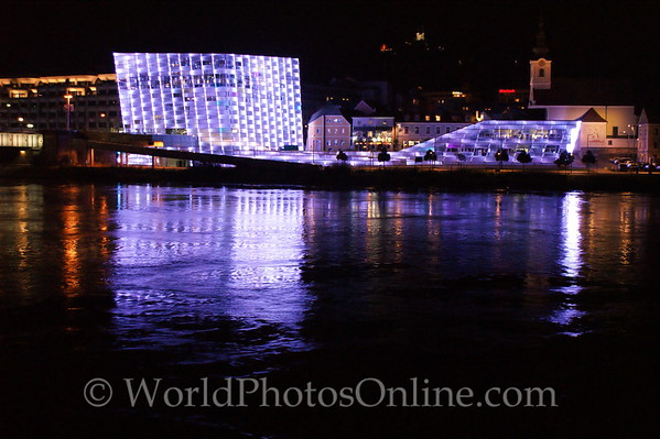 Linz - Danube at night 2