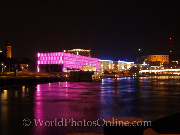 Linz - Danube at night 1