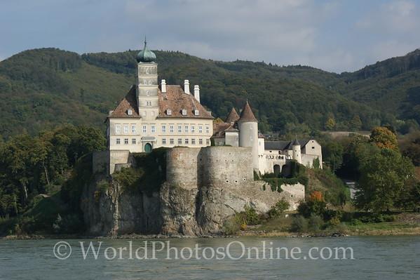Danube - Schonbuhel Castle
