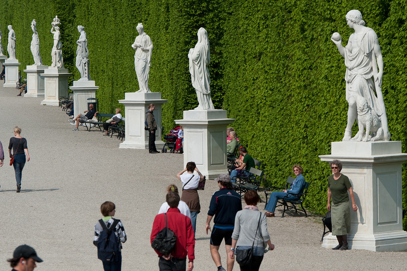 Row of statues at the Schönbrunn Garden - Vienna, Austria