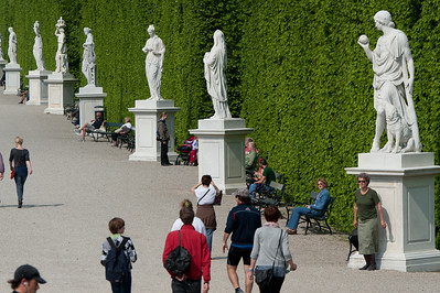 Row of statues at the Schönbrunn Garden - Vienna, Austria
