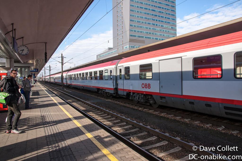 Loooong passenger train