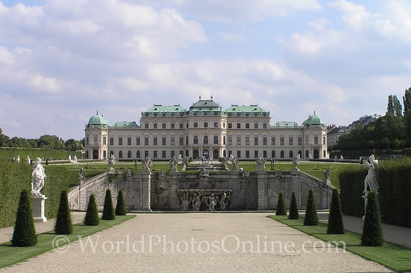 Vienna - Upper Belvedere & Fountain