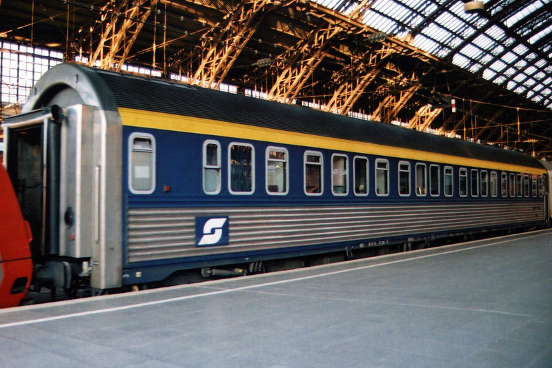 An Austrian sleeping car at Koln Hbf.