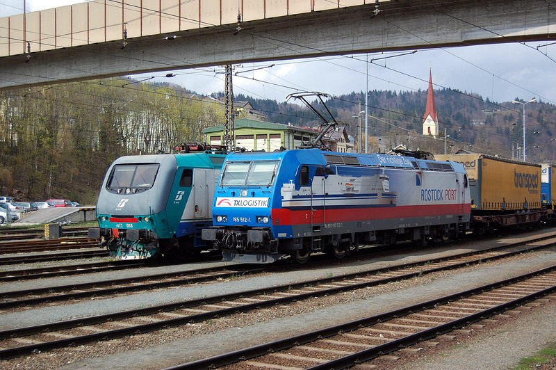 TXL 185512 at Kufstein.