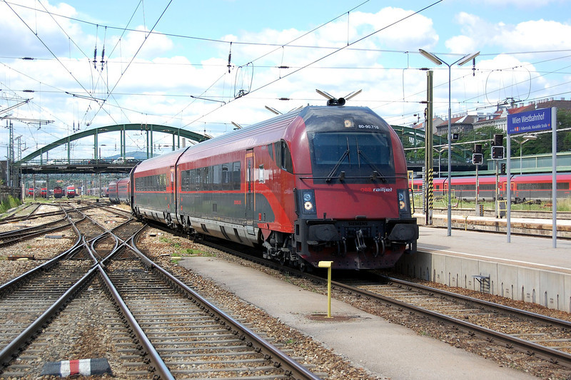 Railjet Driving Car at Wien.