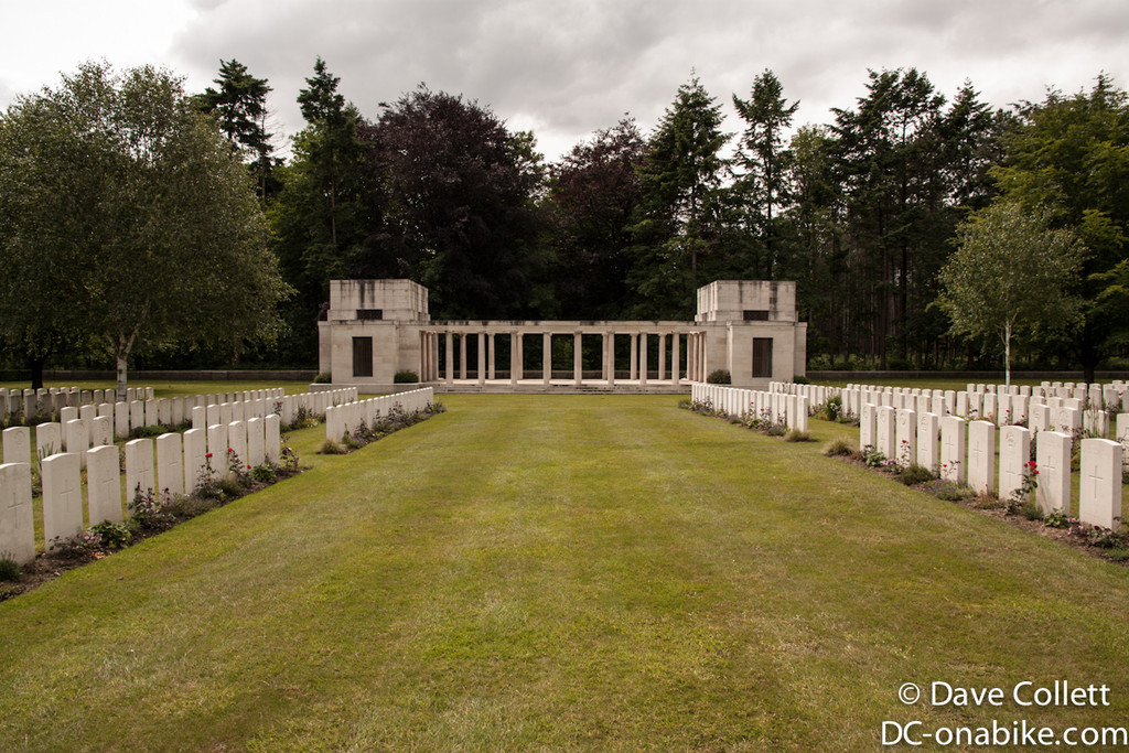 Polygon Wood Cemetery/Memorial - NZ Monument