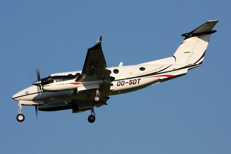 OO-SDT Beech 350 Super King Air c/n FL-786 Brussels/EBBR/BRU 07-07-13