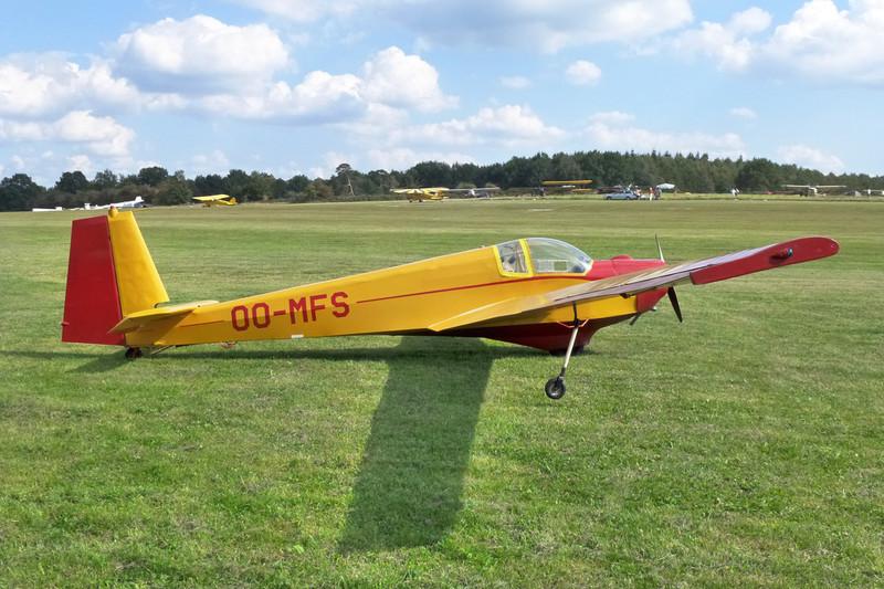 OO-MFS Scheibe SF-25C Falke 1700 c/n 4213 Verviers-Theux/EBTX 03-09-09