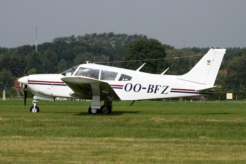 OO-BFZ Piper PA-28R-200 Cherokee Arrow II c/n 28R-7335337 Schaffen-Diest/EBDT 14-08-16
