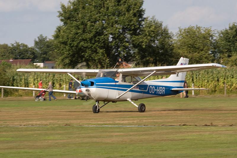 OO-HBR Reims-Cessna F.172M c/n 1484 Hasselt-Kiewit/EBZH 29-08-09