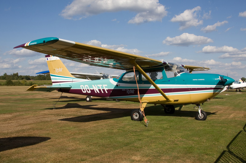 OO-NTF Reims-Cessna F.172H Rocket c/n 0244 Hasselt-Kiewit/EBZH 29-08-09