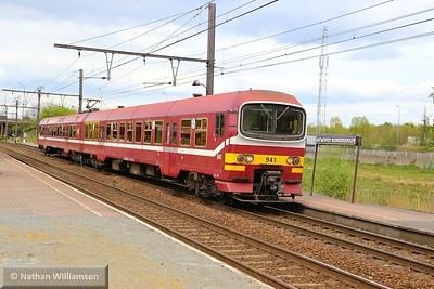 941 passes Antwerpen Noorderdokken  27/04/15