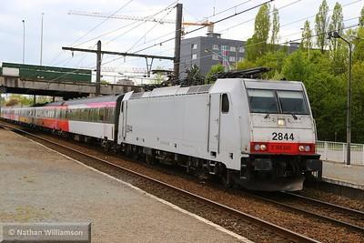 186240 passes Antwerpen Noorderdokken  27/04/15