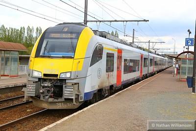 08051 passes Antwerpen Noorderdokken  27/04/15