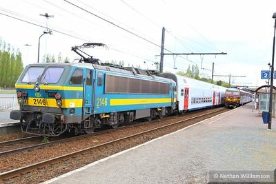 2146 passes Antwerpen Noorderdokken propelling a passenger service  27/04/15