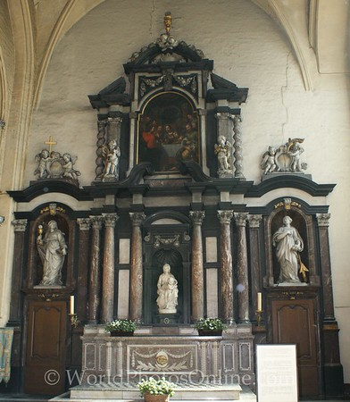 Brugge - Church of Our Lady - Shrine for Michelangelo's Madonna statue