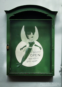 Floris Bar Sign