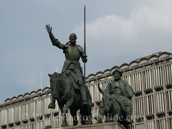 Brussels - Statue of Don Quixote and Sancho Pancho