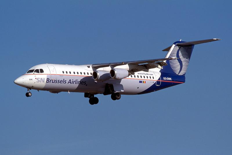 """OO-DWK British Aerospace RJ-100 """"SN Brussels Airlines"""" c/n E3600 Brussels/EBBR/BRU 23-04-04 (35mm slide)"""