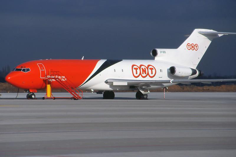 """OY-SES Boeing 727-251 """"Sterling European"""" c/n 19977 Liege/EBLG/LGG 31-01-99 """"TNT Express"""" (35mm slide)"""