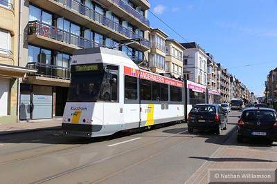 6016 on De Panne Esplanade, Belgium  27/04/15