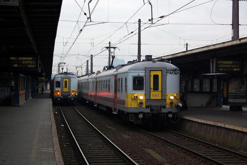 AM73 780 at Bruxelles Midi.