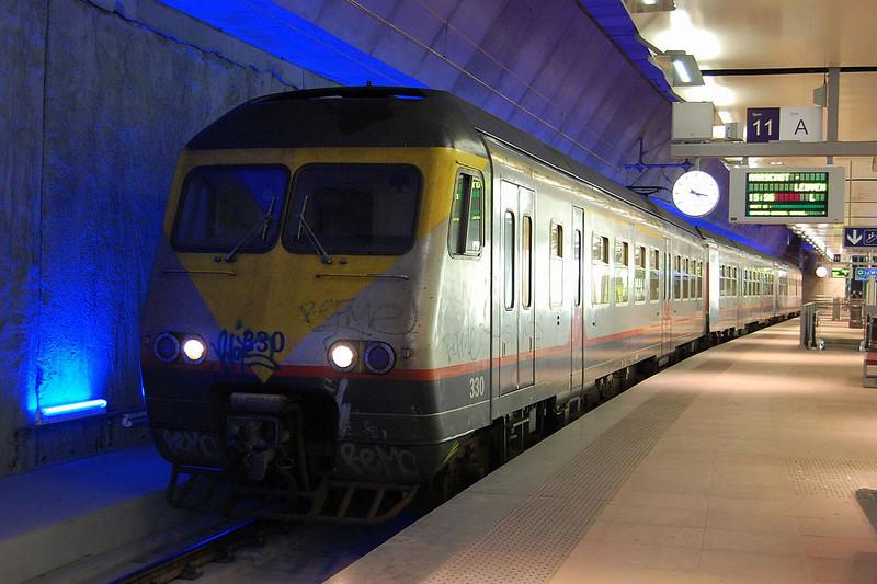 """""""Break"""" EMU 330 at Antwerp Central."""