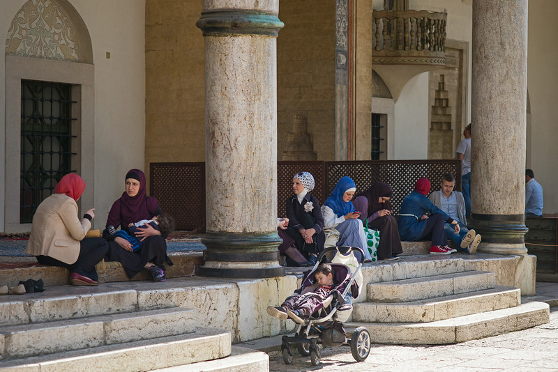 women outside Sarajevo mosque