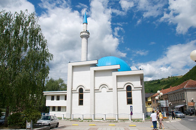 The main mosque in Donji Vakuf that was rebuilt after the war.  The mosque, Baš Džamija, that used to be in the same place (circa 1572) was completely destroyed by Serbian forces.