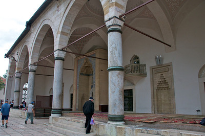 The Gazi Husrev-Beg mosque in Baš-Čaršija is the best known mosque in Sarajevo.  It was built by the famous Ottoman architect Mimar Sinan and completed in 1531.